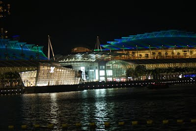 Singapore at Night - around the Bay ; Casinos, Marina Bay Sands and the Singapore Flyer