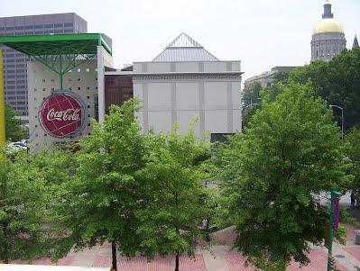 Outside_the_Coke_Museum