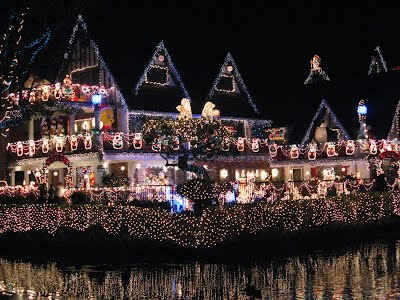 Lights :Venice Canals in Los Angeles, Christmas 2007