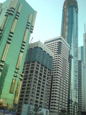 Dubai_shiny_skyscrapers
