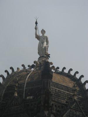 Mumbai Victoria Terminus from outside
