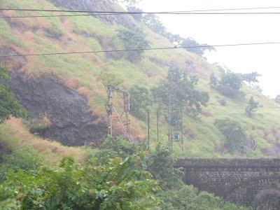 Bridges, Tunnels and Tracks between Mumbai and Pune