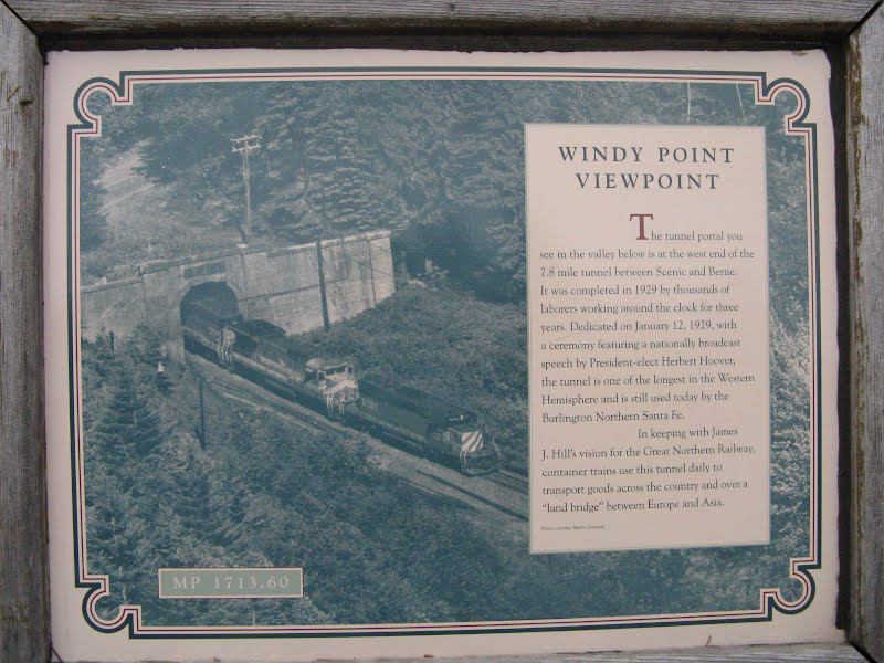 The Tunnel - Windy Point Viewpoint