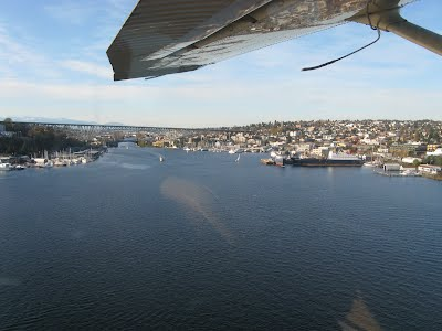 Seattle - flying over the lake
